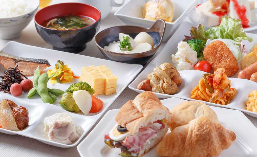 We offer a wide variety of Japanese and Western-style dishes.